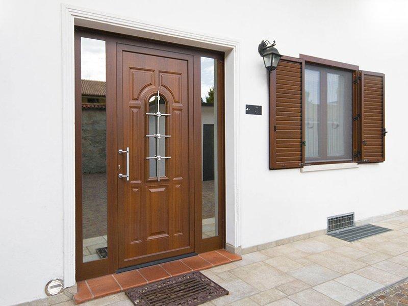 Pertile serramenti in alluminio legno legno pvc - Portoni blindati per esterno ...